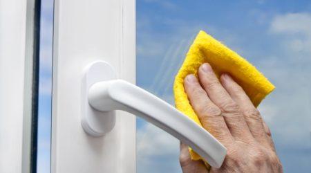 10366124 - washing windows